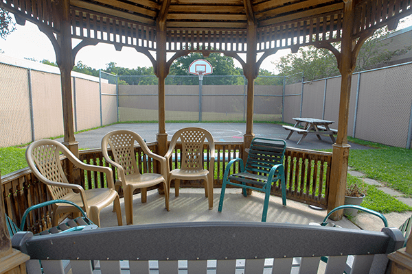 Patients can relax in the gazebo located in the outdoor courtyard area.